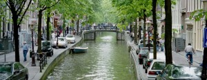 cropped-amsterdam_canals.jpg